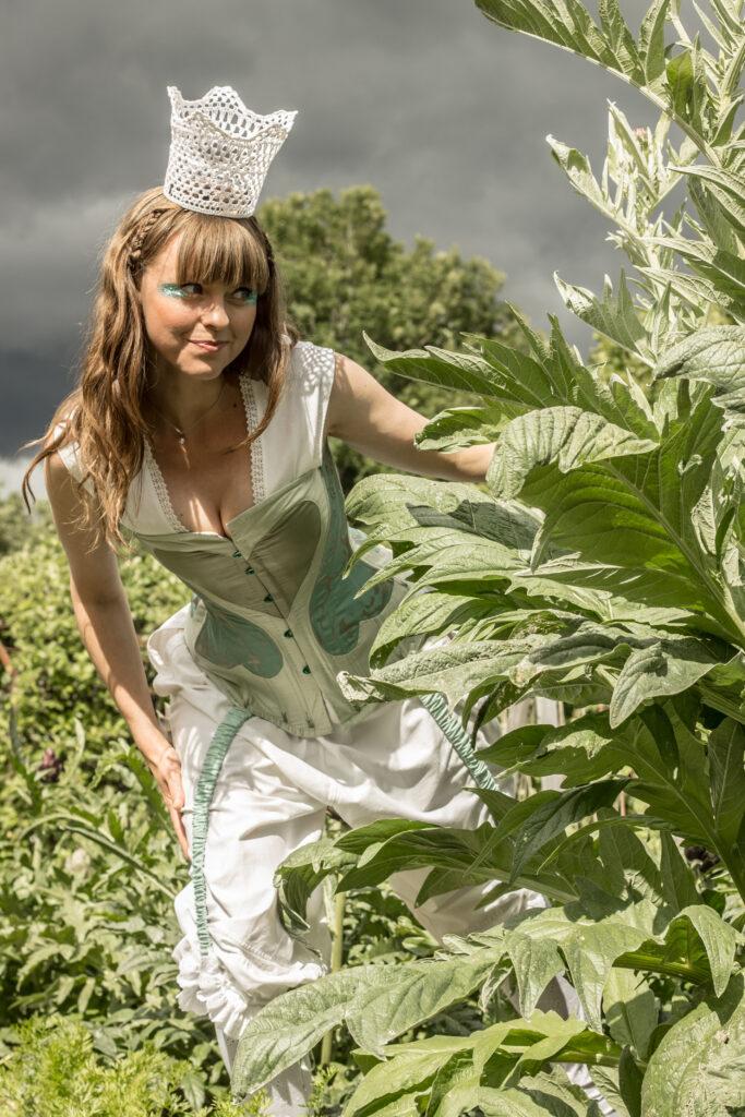 Prinsessa med korsett och mamelucker. Dräkt och idé av Julia Elstring Högberg, Mytomsydd.