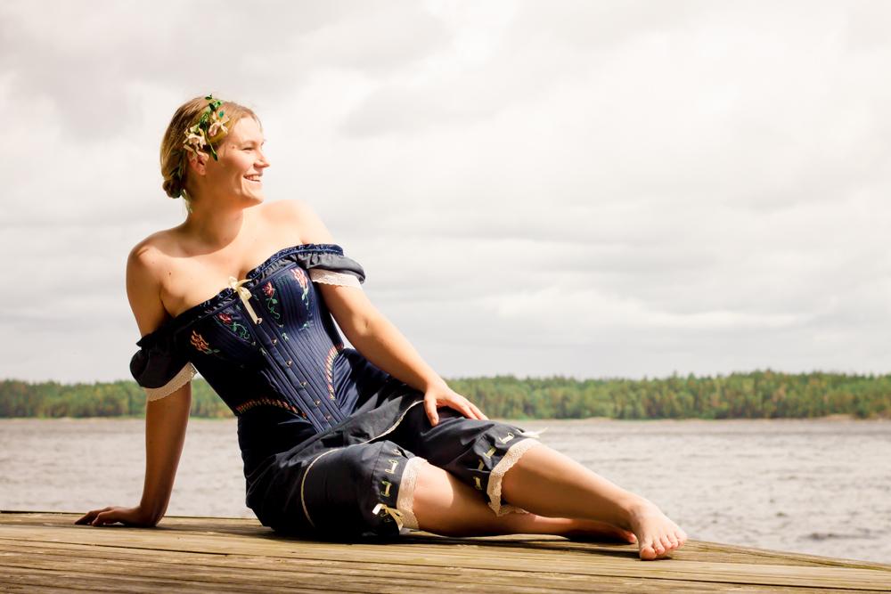 Korsett och mamelucker skapade av Julia Elstring Högberg, Mytomsydd. Foto Johanna Ene.